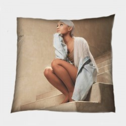 Декоративна възглавница с певица Ариана Гранде - Ariana Grande