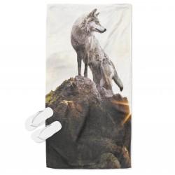 Кърпа за плаж Вълк на скала - Wolf on a Rock