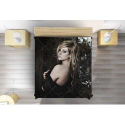 Модно Шалте Аврил Лавин - Avril Lavigne